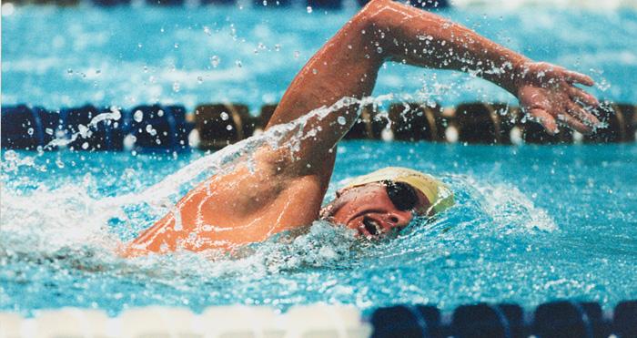 競泳自由形短距離選手のための競技特異的トレーニング
