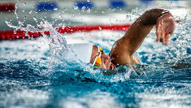 男女の水泳時における腹腔内圧の比較
